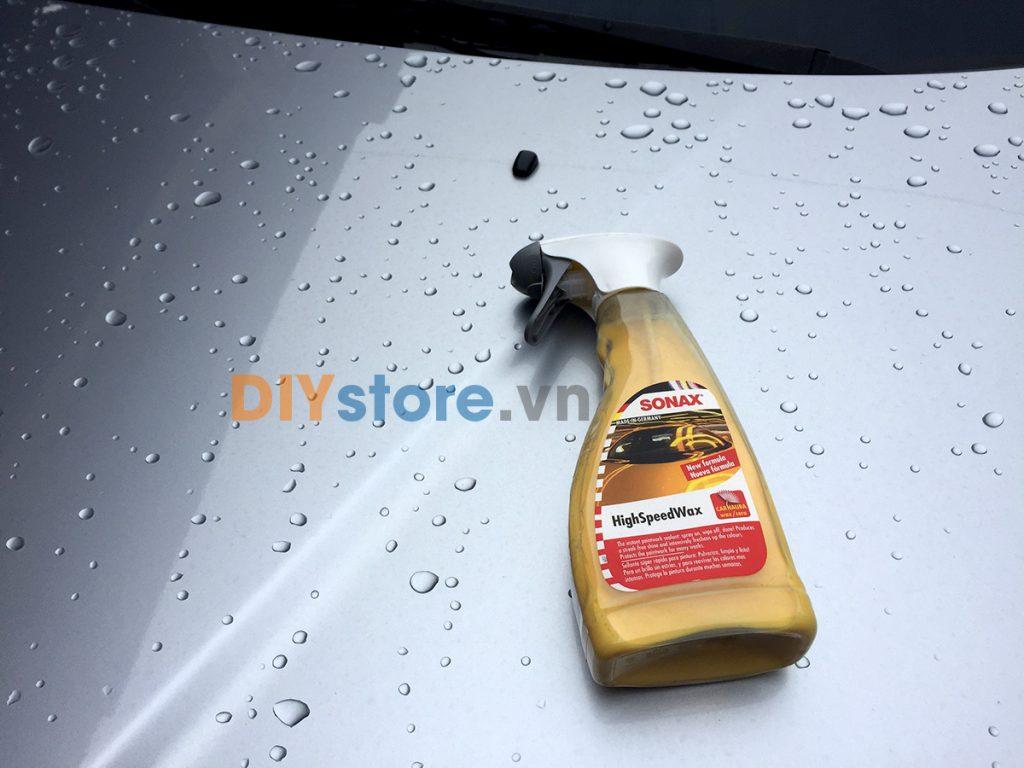 Hiệu ứng lá sen - hạn chế bám nước, bám bẩn trên bề mặt sơn sau khi sử dụngSONAX High Speed Wax