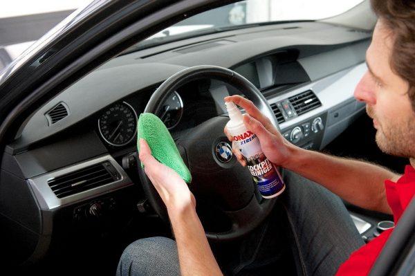 Dung dịch làm sạch và bảo dưỡng nhựa nội thất ô tô SONAX XTREME Cockpit Cleaner Matt Finish, 300ml